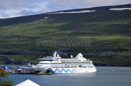 cruise ship aida aura in the