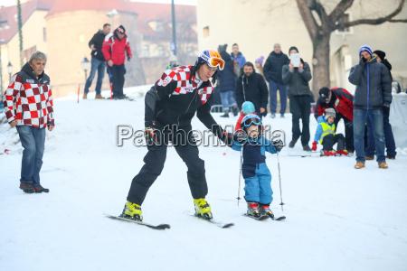 ivica kostelic esquiar con el hijo