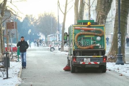 limpiador de calle en la ciudad