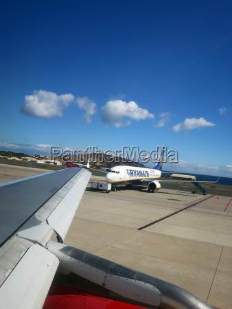 fiesta vacaciones conducir turismo canario aeropuerto